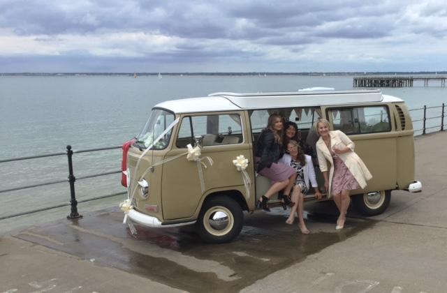 bridesmaid-wedding-transport